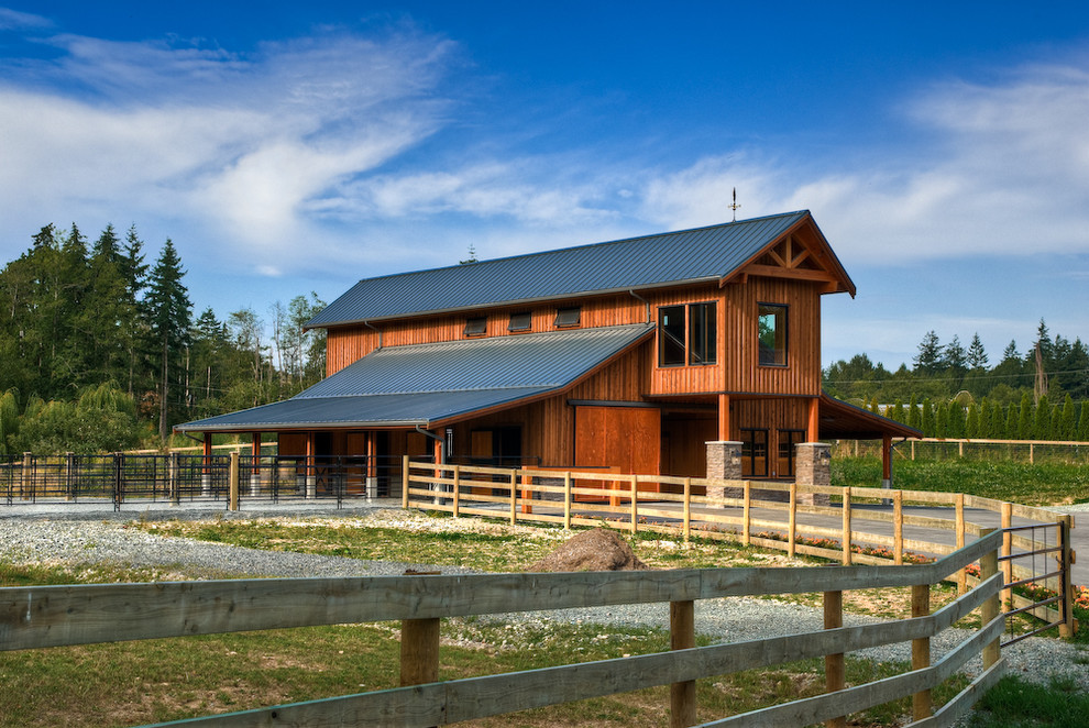 Barns with Living Quarters Garage and Shed Farmhouse with Barn Barn Door Country Equestrian Fence Horse