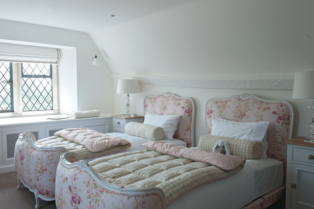 Broyhill Attic Heirloom Bedroom Traditional With Attic Bedroom Countryside  Estate Cross Hatch Windows Eaves English