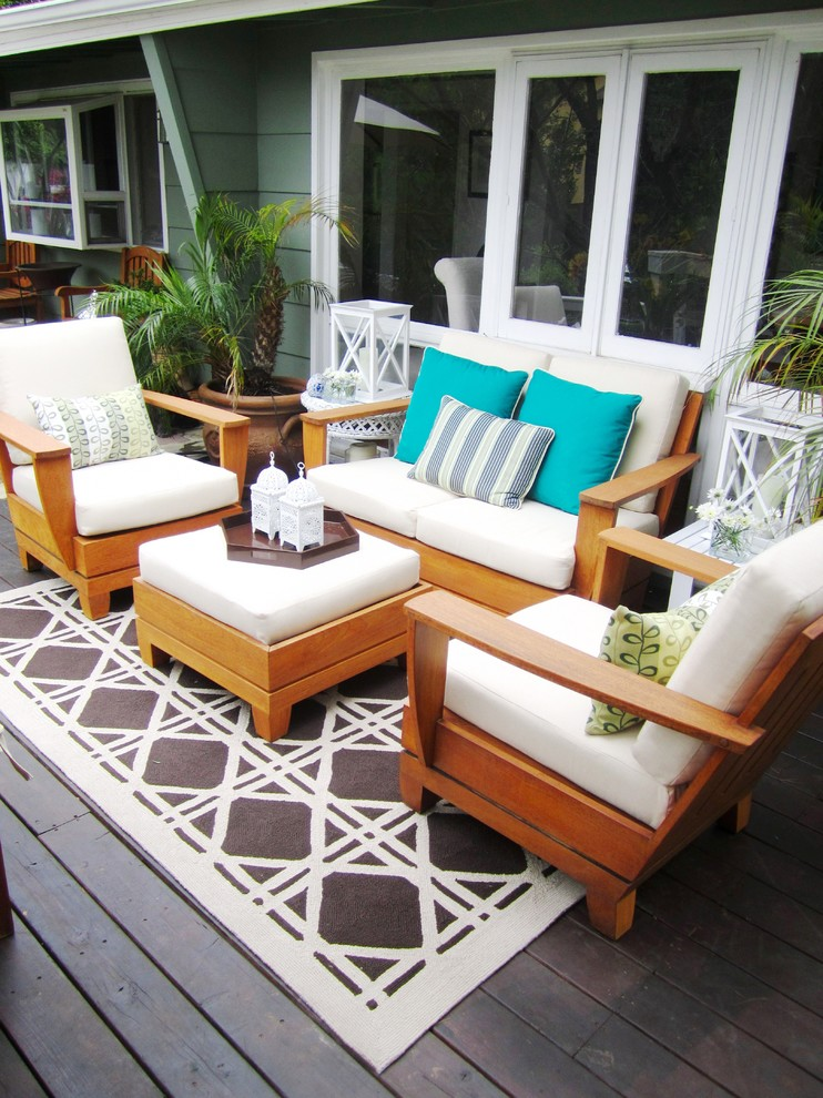 Broyhill Outdoor Furniture Deck Contemporary with Area Rug Container Plants Deck Decorative Pillows