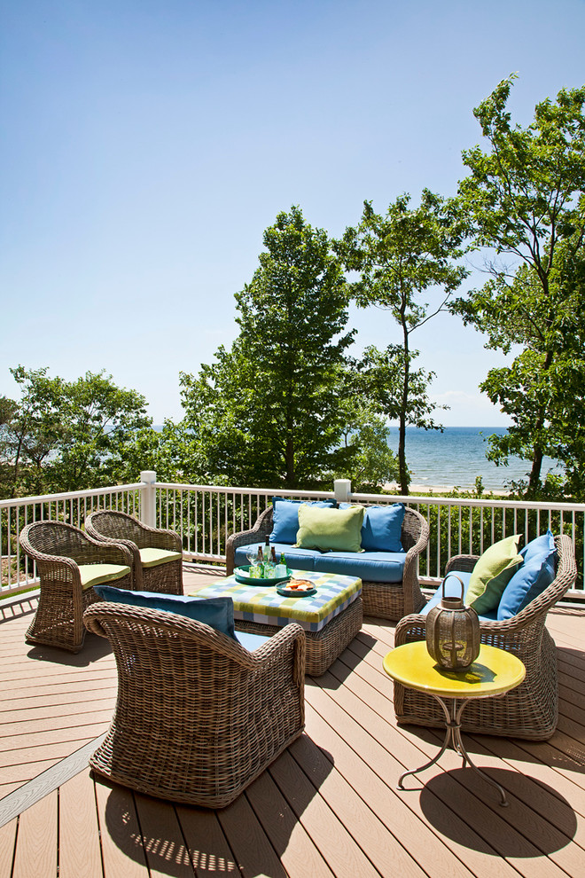 Broyhill Outdoor Furniture Deck Traditional with Blue Blue and Green Deck Deck Cushions