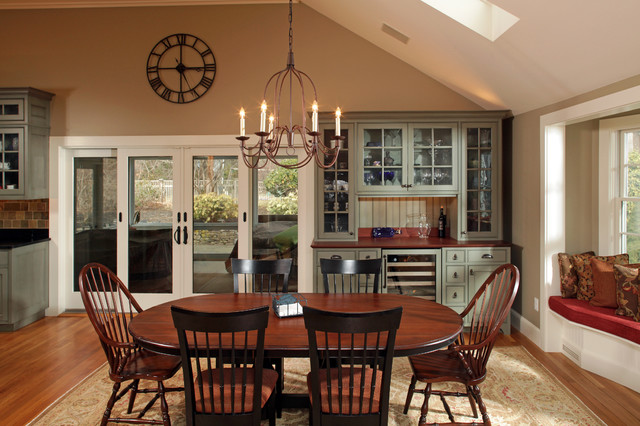 Buffet With Hutch Dining Room Traditional Area Rug Bench Seat Beverage Cooler Chandelier Table