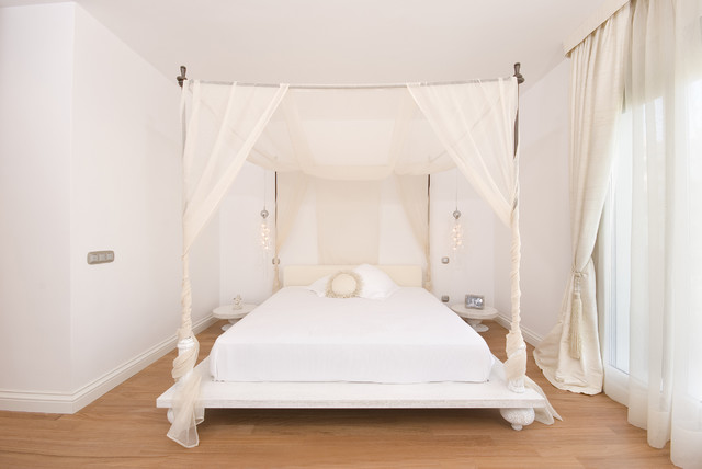 cal king platform bed Bedroom Eclectic with baseboards canopy bed curtains drapes monochromatic platform bed white
