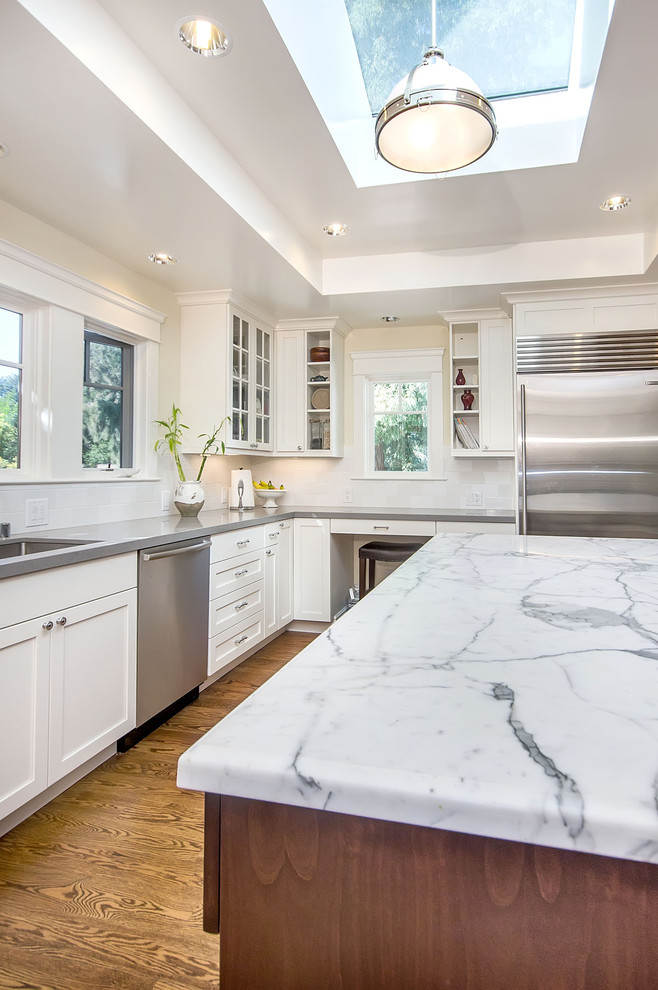 Carrara Marble Kitchen Craftsman with Counter Stool Frame and Panel Cabinets Glass