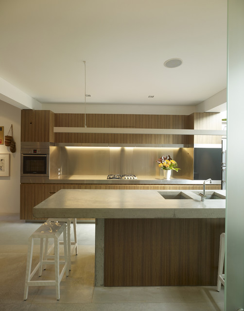 Eat In Kitchen With Island Walk In Closet With Island