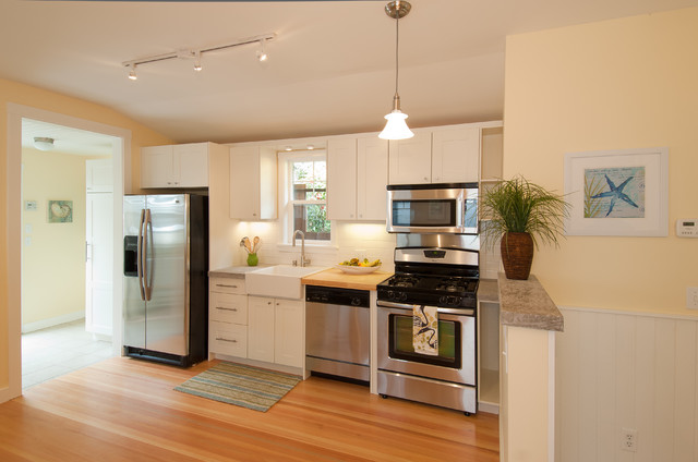 Compact Refrigerator Freezer Kitchen Traditional with Butcher Block Farmhouse Sink Moulding Pendant Light Rug Stainless