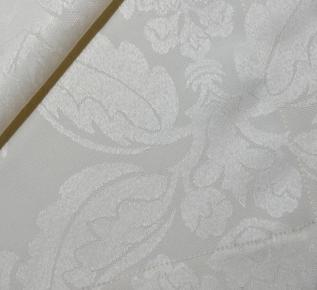 damask tableclothwith