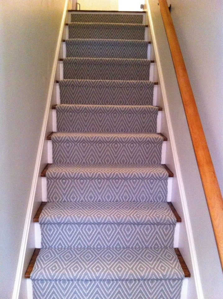Dash and Albert Runner Staircase Traditional with Blue and White Indoor Outdoor Runner Pattern1