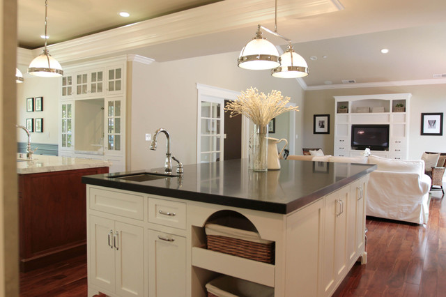 Delta Leland Kitchen Traditional with Ceiling Lighting Great Room Kitchen Hardware Kitchen Island Neutral