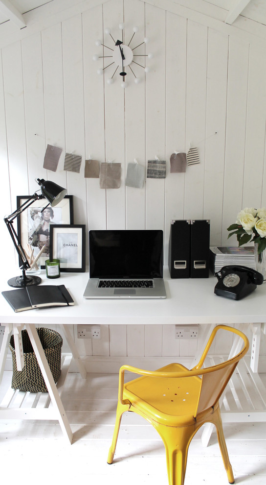 Drafting Lamp Home Office Scandinavian with Abstract Clock Airy Black Picture Frames White