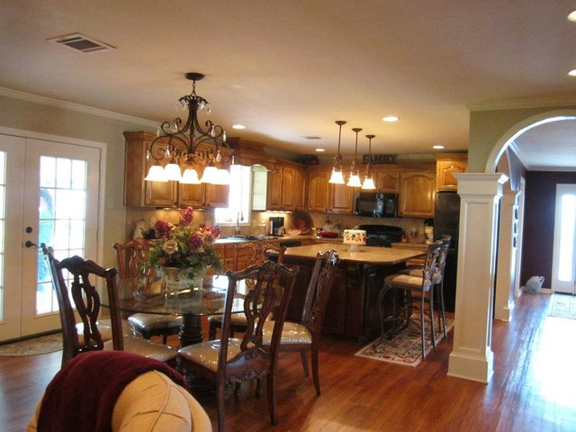 earthwerks flooring Kitchen Traditional with glazed cabinetry kitchen laminate counter tops Vinyl plank flooring