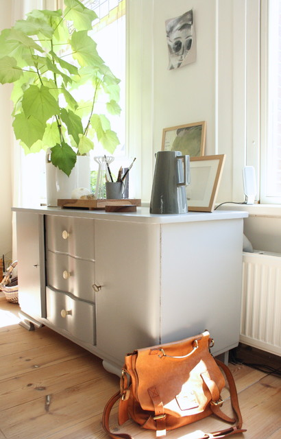 Facelifts Hall Eclectic with Gray Console
