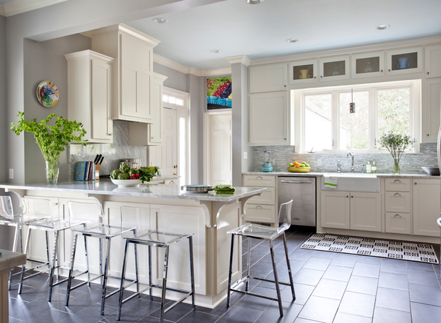 Farm Sinks for Kitchens Kitchen Traditional with Apron Sink Breakfast Bar Ceiling Lighting Crown Molding Eat