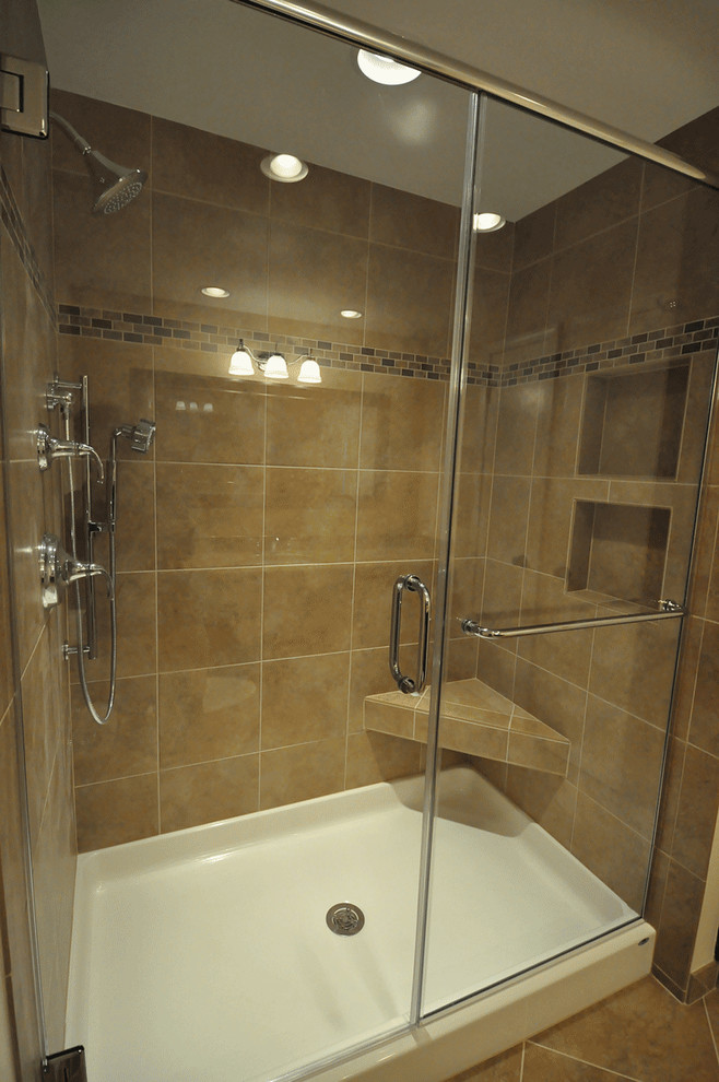 fiberglass-shower-pan-Bathroom-Traditional-with-alcove-clear-glass ...