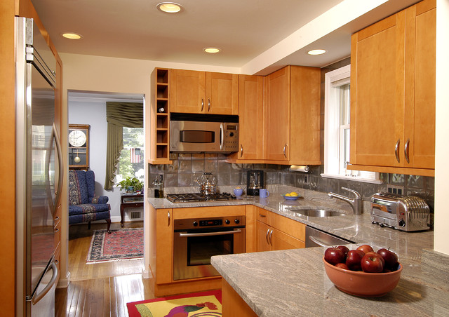 Ge Gas Cooktop Kitchen Traditional with Beige Wall Cooktop Granite Countertop Gray Countertop Gray Tile
