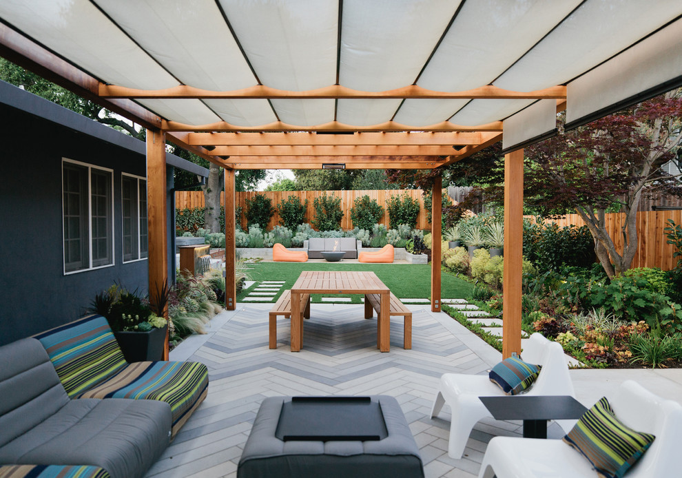 Gloster Furniture Patio Contemporary with Arbor Artificial Turf Board Formed Concrete Canopy