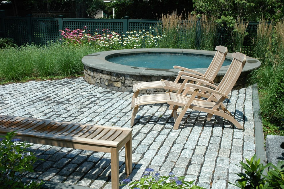 Gloster Furniture Pool Rustic with Brick Paving Chaise Lounge Cottage Garden Garden