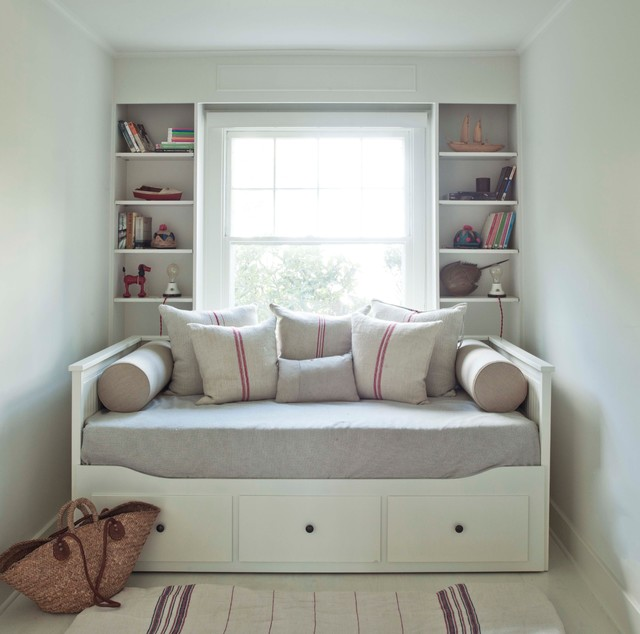 Heavenly Bed Mattress Bedroom Modern with Bolsters Books Built in Shelves Burlap Cottage Day Bed Double