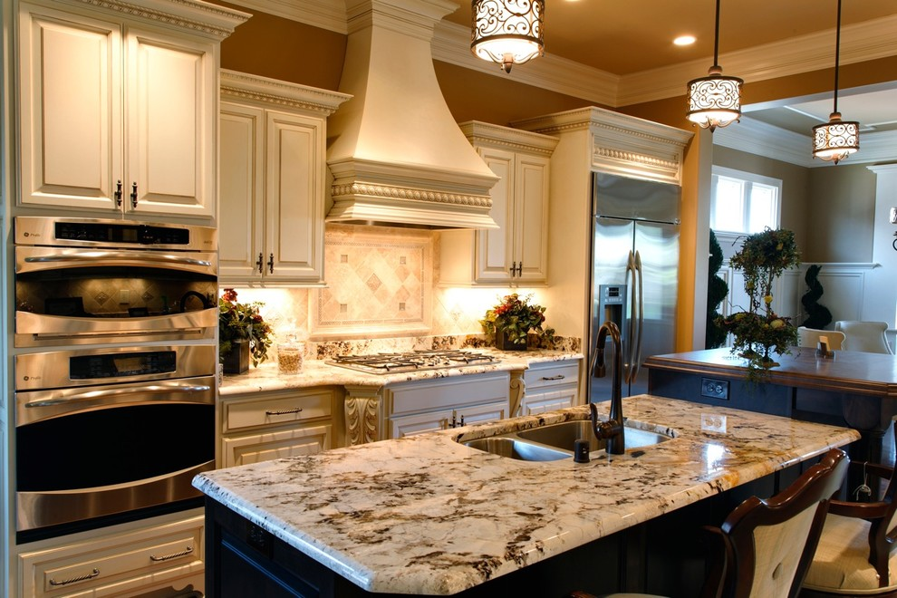 Jeffrey Court Tile Kitchen Traditional with Breakfast Bar Eat in Kitchen Granite Countertops