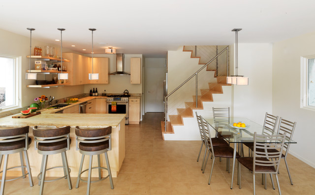 Lake Erie Vacation Rentals Kitchen Contemporary with Cable Railing Counter Stools Dining and Kitchen Spaces Glass