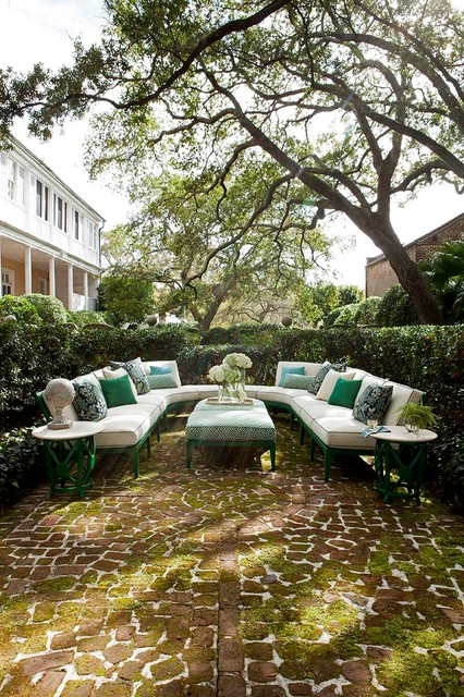 Lane Venture Outdoor Furniture Patio Traditional with Circular Brick Pattern Green Moss U Shaped Couch White