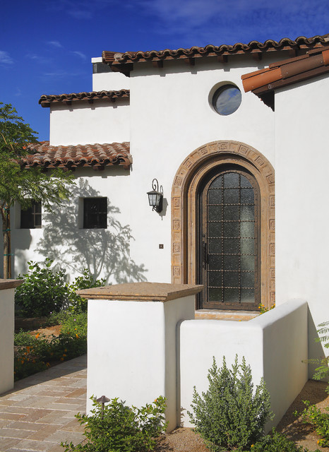 Mediterranea Tile Entry Mediterranean with Arch Brick Paving Circular Window Courtyard Front Door Frosted1