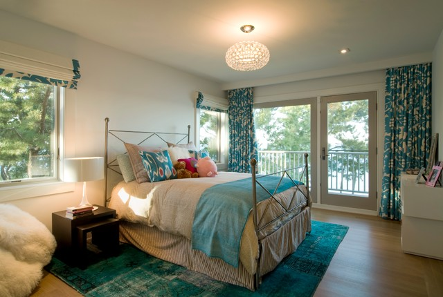 metal headboards queen Bedroom Beach with beige duvet cover CEILING LIGHT drum shade floral drapes