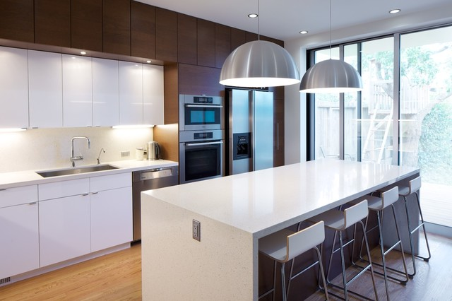 Mirabelle Faucets Kitchen Modern with Breakfast Bar Ceiling Lighting Eat in Kitchen Island Lighting