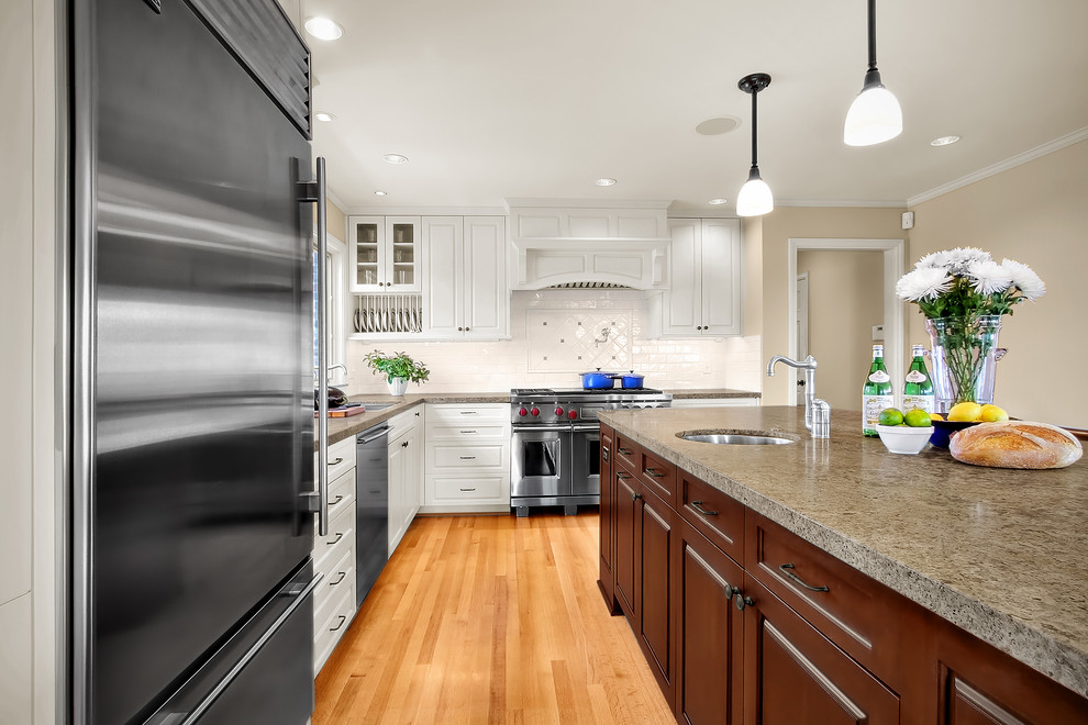 Oil Rubbed Bronze Mirror Kitchen Traditional with Ceiling Lighting Door Handles Drawer Pulls Kitchen
