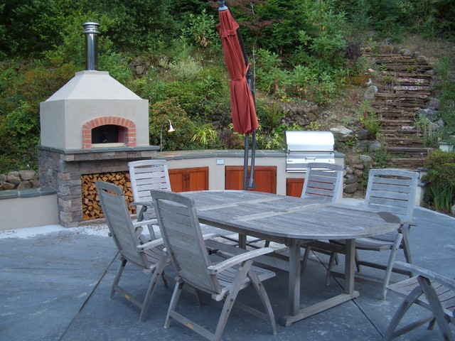 Outdoor Pizza Oven Kit Landscape Traditional with Concrete Paving Firewood Storage Hillside Outdoor Dining Outdoor Kitchen