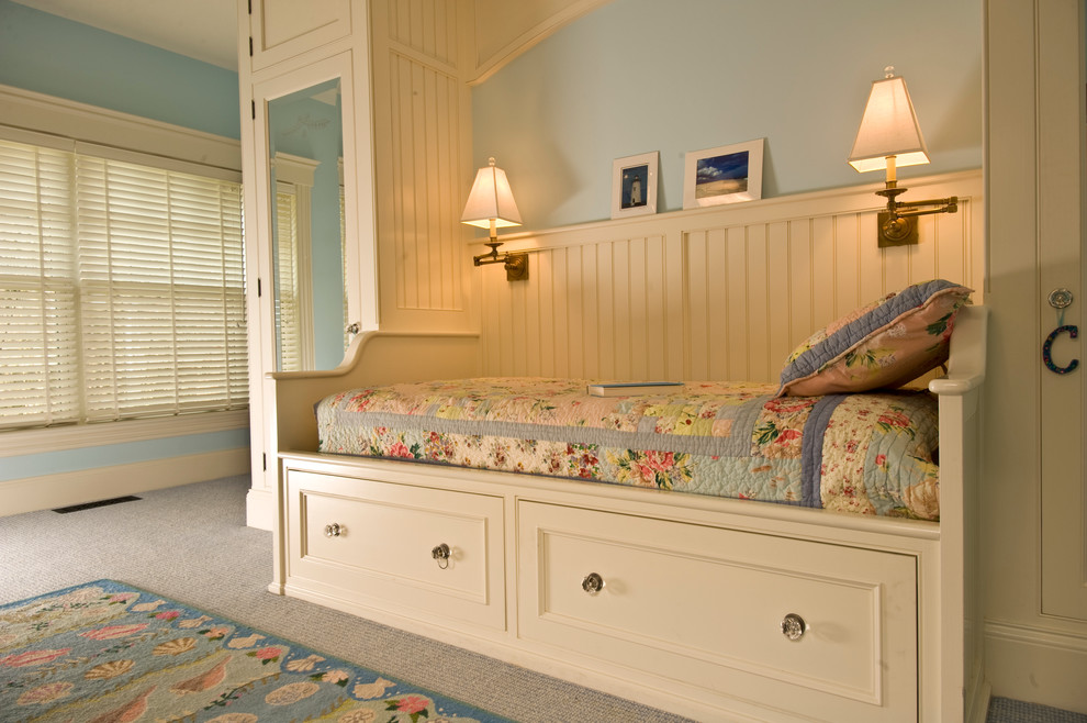 Queen Daybed Bedroom Traditional with Beadboard Bedroom Blinds Daybed Floral Hooked Rug