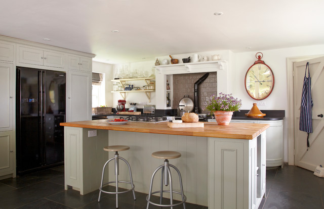 Quickbooks Support Phone Number Kitchen Farmhouse with Aga Over Mantel Bar Stools Black Refrigerator Bread Counter