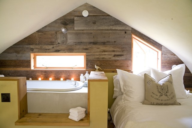 Reclaimed Wood Seattle Bedroom Farmhouse with Alcove Bedding Dividing Wall en Suite Garden Tub Ledge