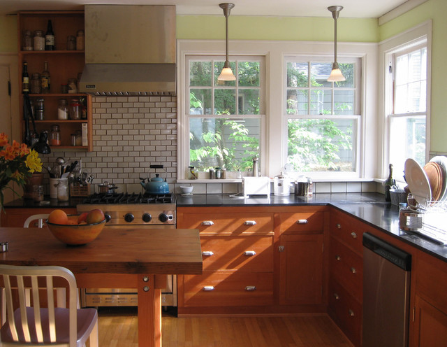 reclaimed-wood-seattle -Kitchen-Craftsman-with-breakfast-bar-double-hung-windows-eat-in-kitchen-fir - Reclaimed-wood-seattle-Kitchen-Craftsman-with-breakfast-bar-double