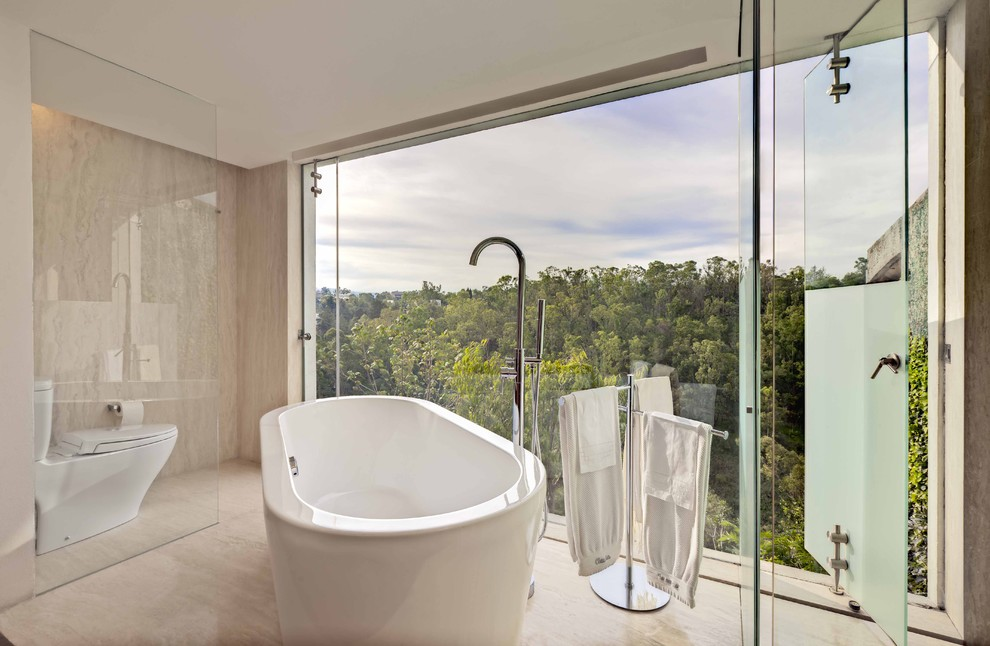 Standing Towel Rack Bathroom Modern with Fixed Window Freestanding Bathtub Frosted Glass Glass