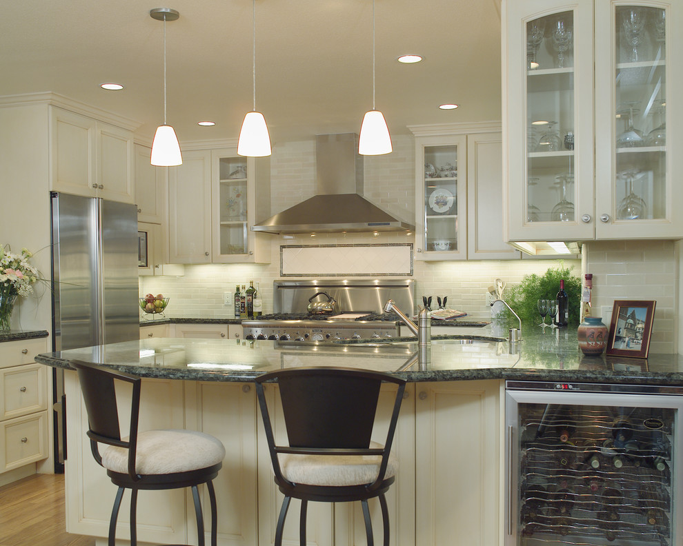 Verde Butterfly Granite Kitchen Traditional with Accent Tiles Breakfast Bar Ceiling Lighting Eat