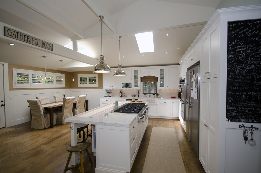 Viking Gas Cooktop Kitchen Eclectic with Breakfast Bar Ceiling Lighting Eat in Kitchen