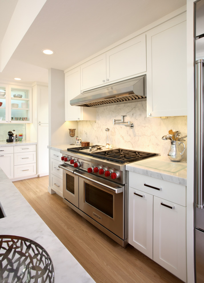 Wolf Gas Cooktop Kitchen Contemporary with 12 Shaker Appliance Panel Cabinets California Cherry
