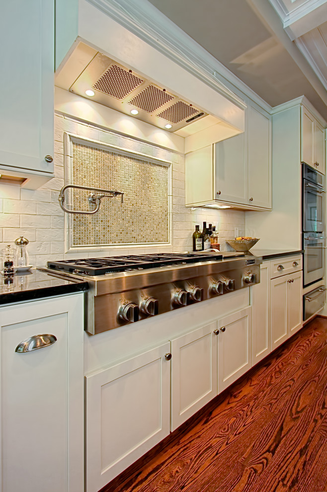 Wolf Gas Cooktop Kitchen Traditional with Beige Ceiling Beige Mosaic Tile Stove Backsplash