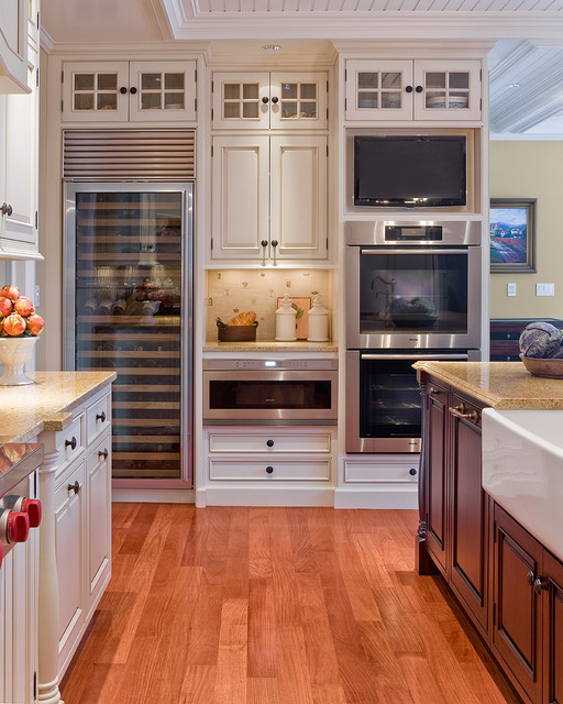 Wolf Wall Oven Kitchen Traditional with Apron Sink Beadboard Ceiling Treatment Double Ovens Farmhouse Sink