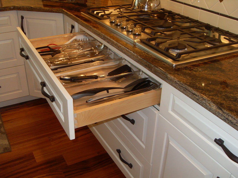 Woodmark Cabinets Spaces Traditional with Categoryspacesstyletraditionallocationchicago 1
