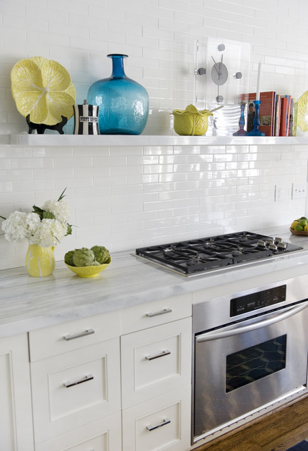 30 Inch Gas Cooktop Kitchen Contemporary with Covelano Marble Floating Shelves