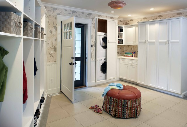 Bosch Axxis Washer Entry Traditional with Beadboard Built Ins Crown