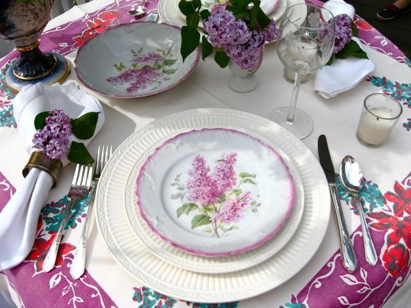 charger plates bulk Dining Room Traditional with CategoryDining RoomStyleTraditionalLocationAtlanta