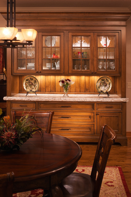 China Cabinet Hutch Dining Room Traditional with Alder Alder Cabinetry Clear