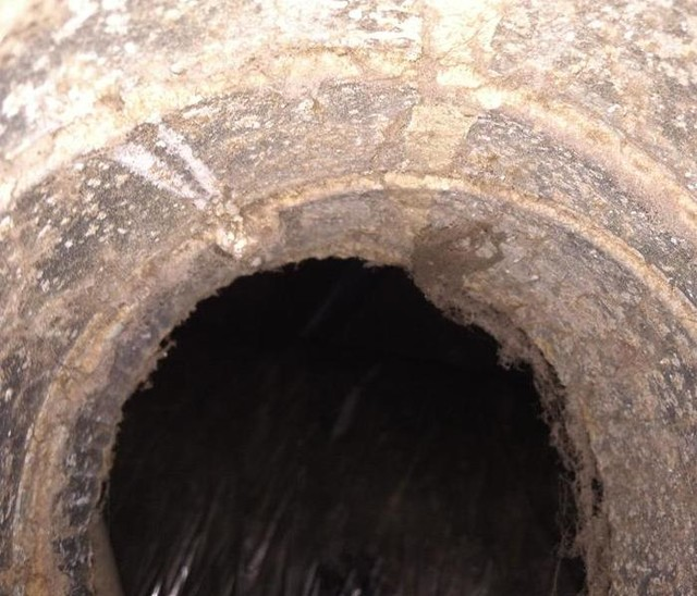 clean crawls Spaces with and surrounding areas We