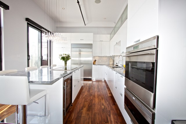 Cooktop with Downdraft Kitchen Modern with Beverage Cooler Counter Stools
