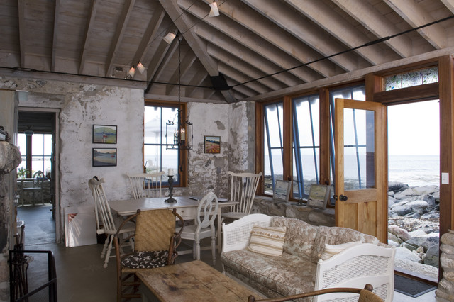Flood Vents Living Room Rustic with Andrea Peters Paintings Cane