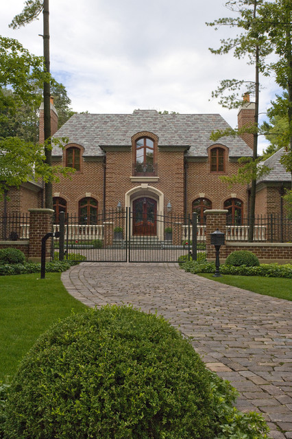 Granite Pavers Exterior Traditional with Arched Window Bluestone Brick1