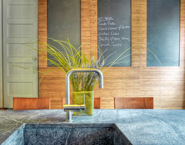 Grohe Faucet Kitchen Contemporary with Breakfast Bar Chalkboard Chalkboard