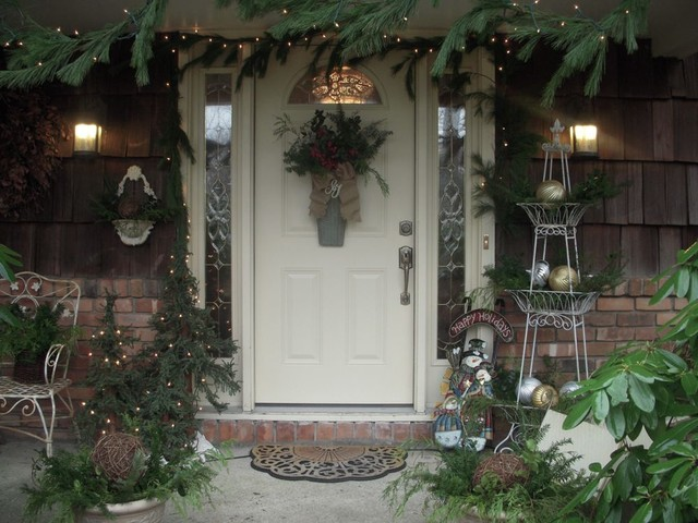 Holiday Doormats Entry Traditional with Brick Wall Christmas Decorations